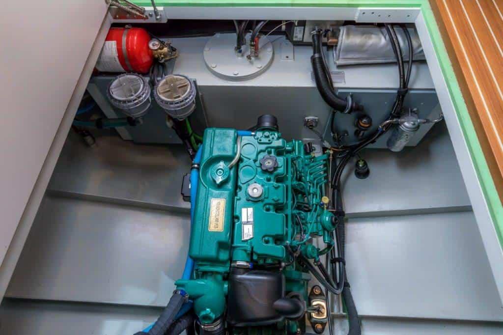 linssen-classic-sturdy-32-sedan-int-027