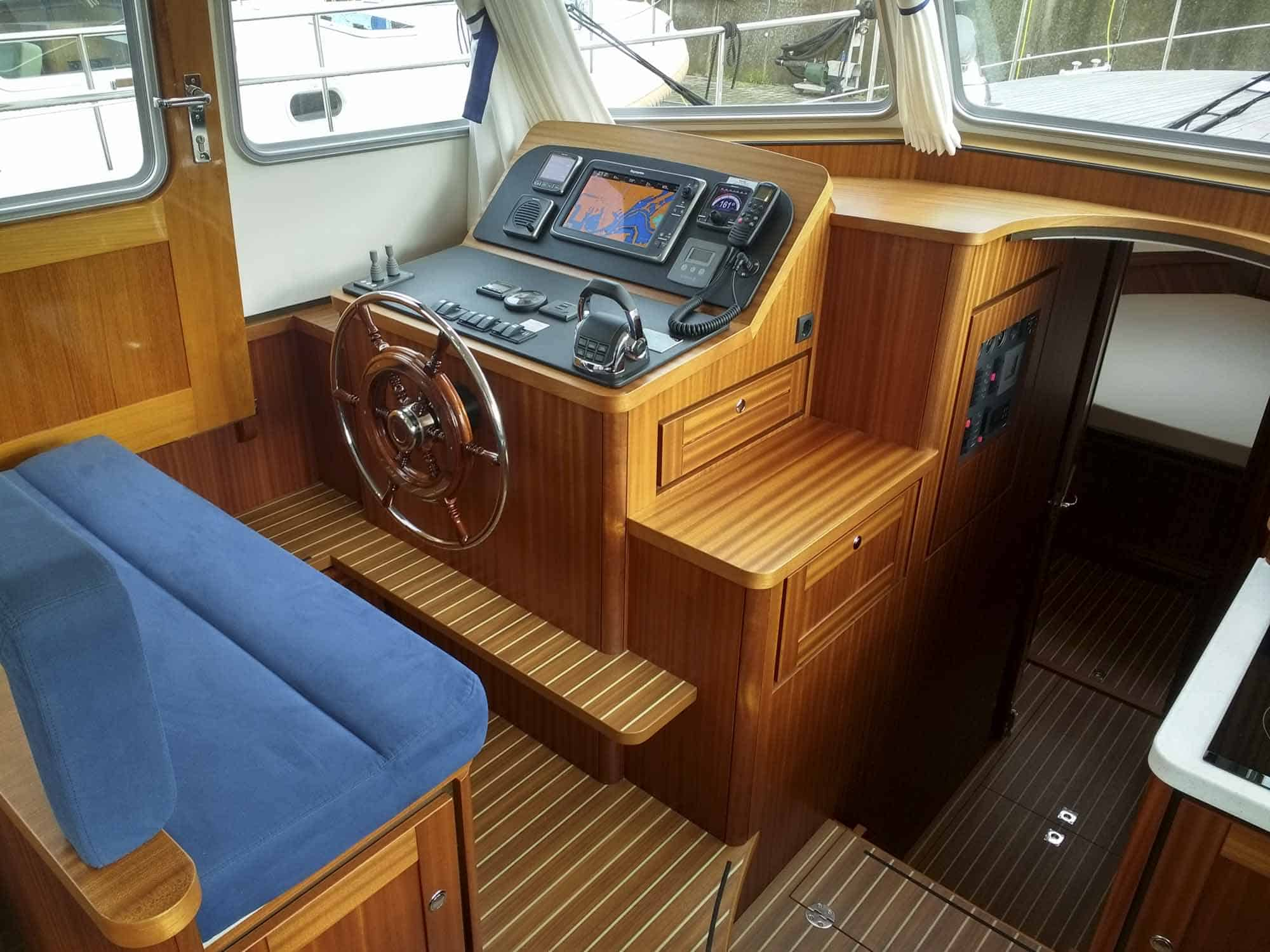 Linssen-Classic-Sturdy-410-Sedan-Deckbridge_251115-002