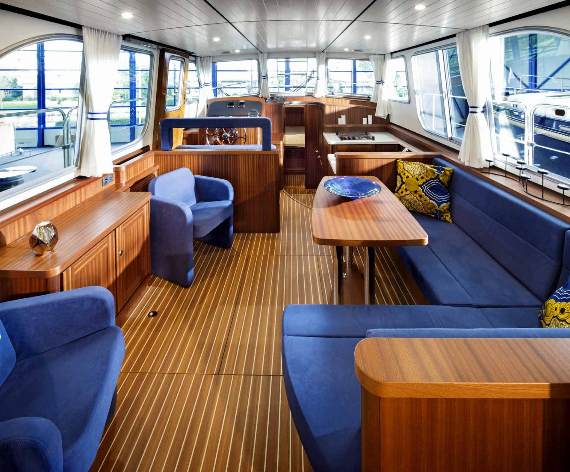 Linssen-Classic-Sturdy-410-Sedan-Deckbridge_251115-039