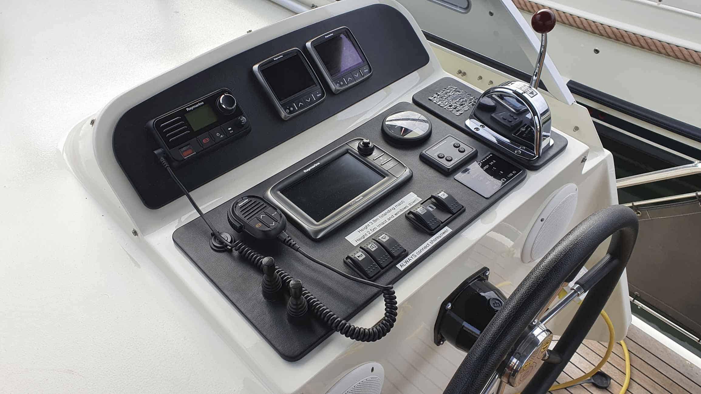gebruikt-motorjacht-grand-sturdy-34-9-ac-3115-024