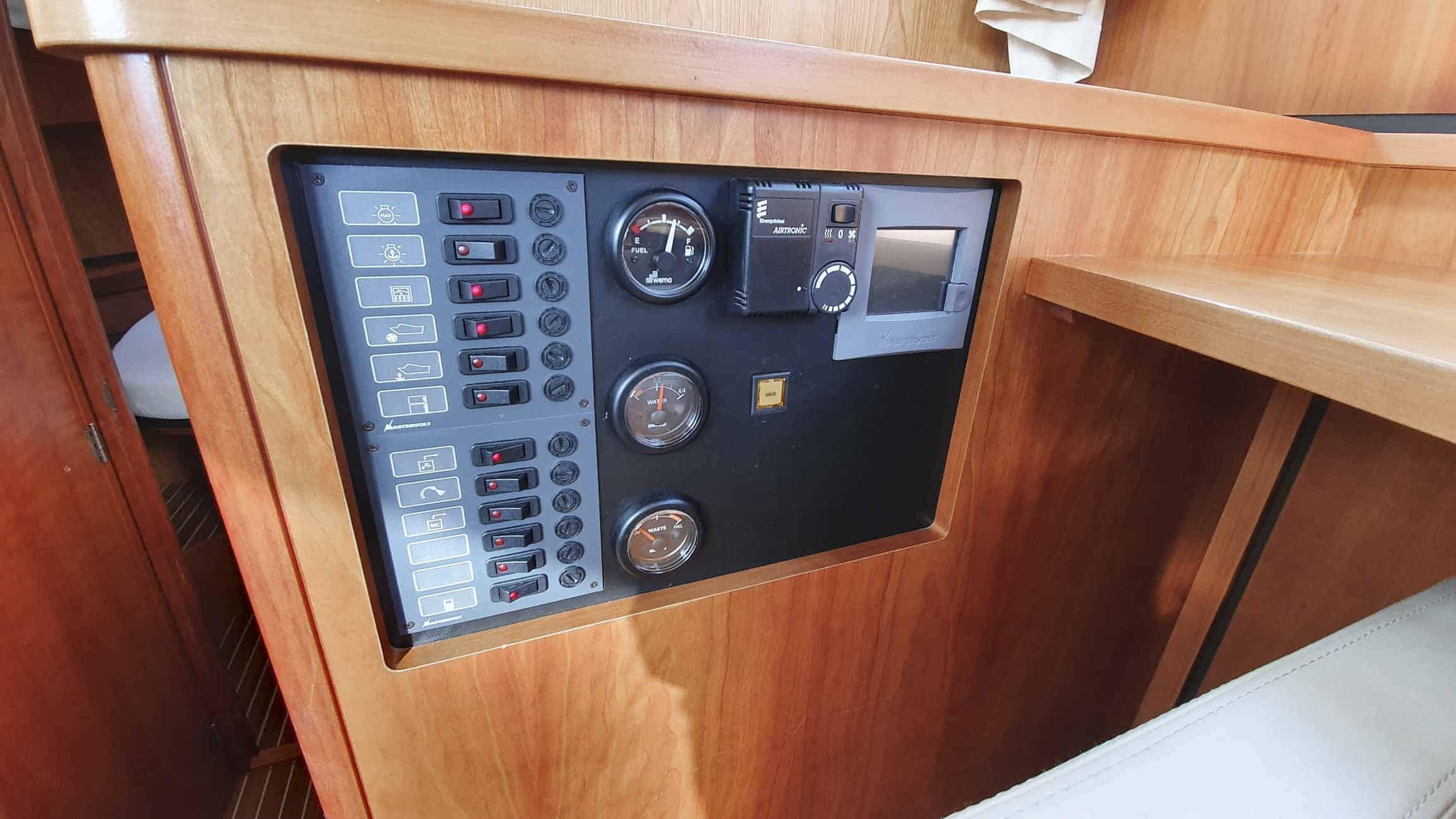 gebruikt-motorjacht-grand-sturdy-34-9-ac-3115-029