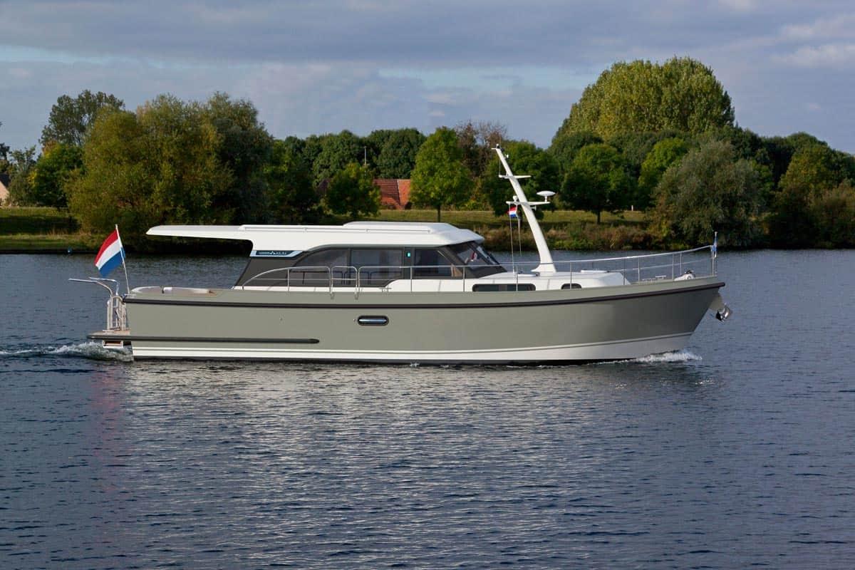Linssen-40-SL-Sedan_cove_green